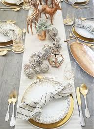 Kako okrasimo mizo za božično večerjo?